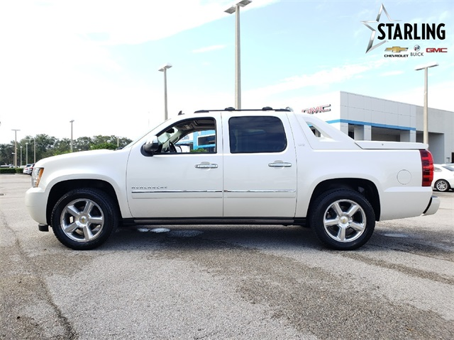 Pre-Owned 2011 Chevrolet Avalanche 1500 LTZ